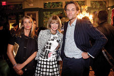 At The Rug Company's event, Suzanne and Christopher Sharp, the founders of The Rug Company, flank Anna Wintour.