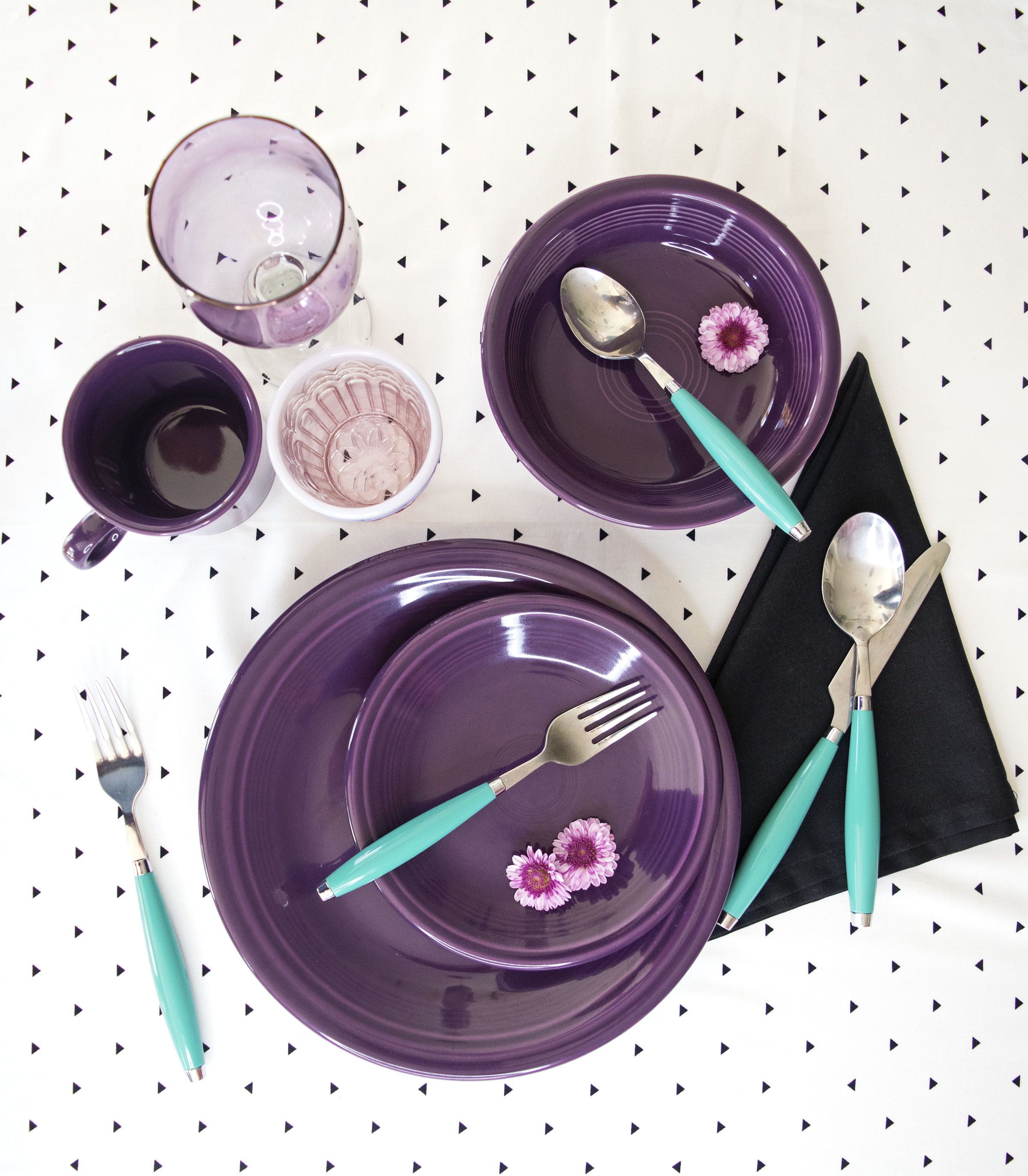The dinnerware brand\u0027s newest color responds to trends in fashion and home decor. & Fiesta Dinnerware Introduces Its 50th Color | Gifts \u0026 Dec